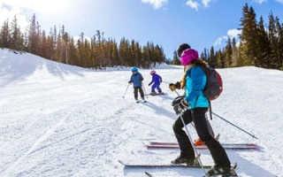 Что надеть для катания на лыжах. Лыжи: польза для похудения. Можно ли кататься на лыжах в начале зимы, когда мало снега