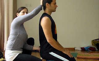 Комплекс упражнений для хорошего пищеварения. Упражнения после еды для улучшения пищеварения. Упражнение: Вращение ног