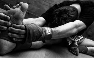 Упражнения на растяжку для ударов ногами. Как увеличить силу удара кулаком, упражнения на силу удара. Круговой удар и «вертушка»